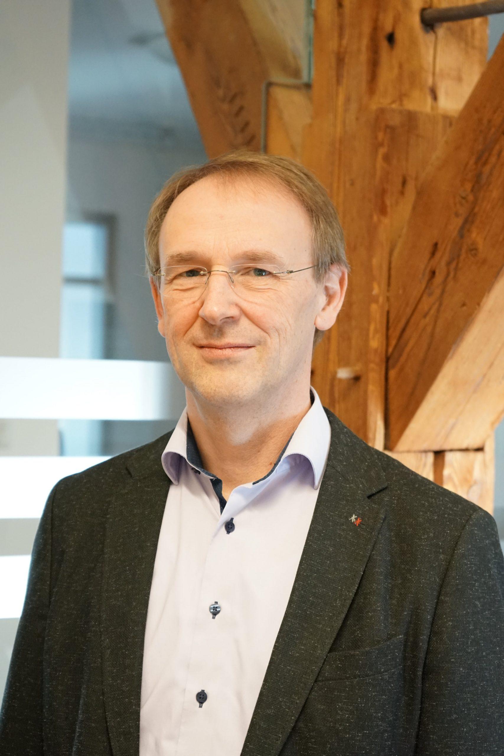 Prof. Dr. Bernhard Schmauss